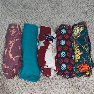 Bundle of T/C size LulaRoe Leggings